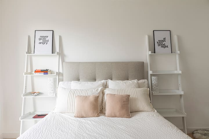 Modern 1-bed flat w/ balcony in Brentford, West London