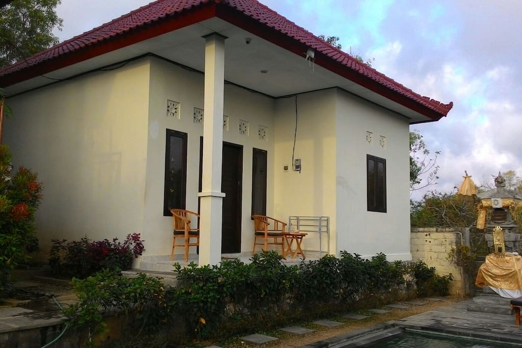 2 Bedrooms East Bungalow, front view
