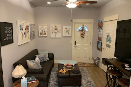 FriscoLanding Suite Private Entry Downtown Rogers