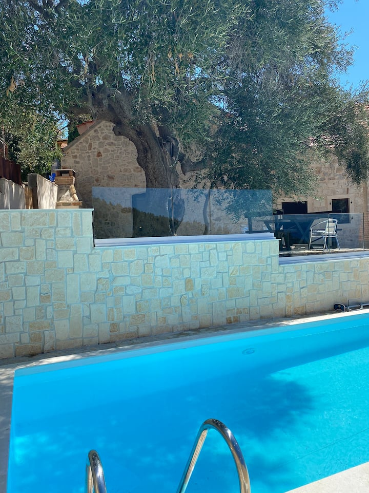 """NEW!!! Charming """"Villa Oliva"""" with private pool"""