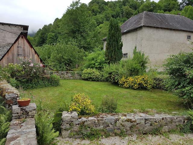Un des deux jardins