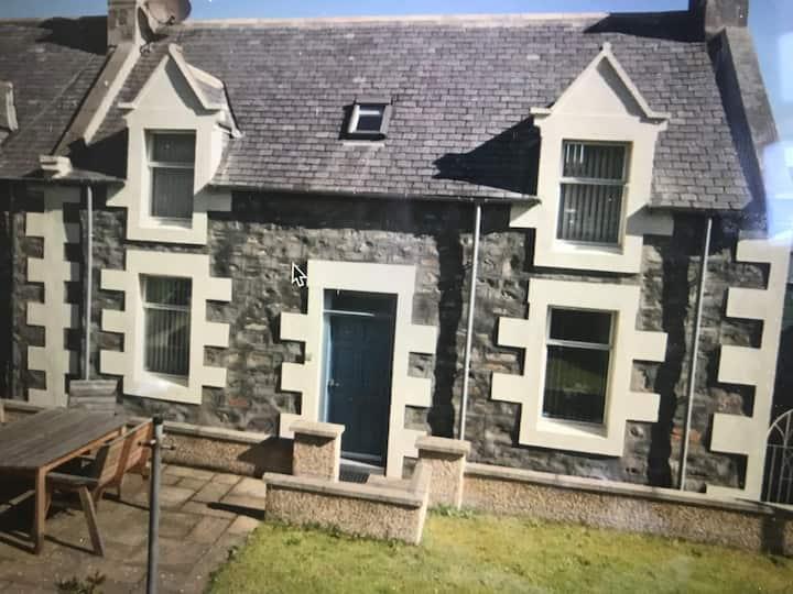 9 Castle Terrace Seatown Cullen