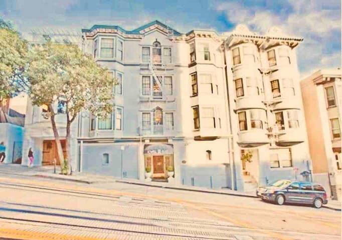 Powell Place, classic SF condo on Nob Hill