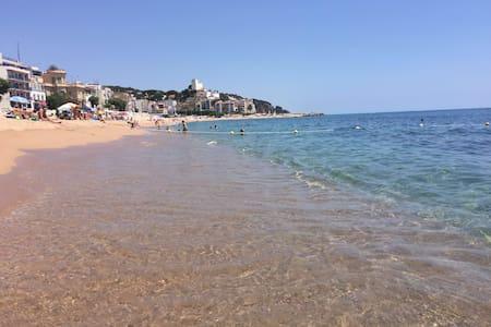TERRACE APARTMENT 1 KM BEACH - Sant Pol de Mar - Flat