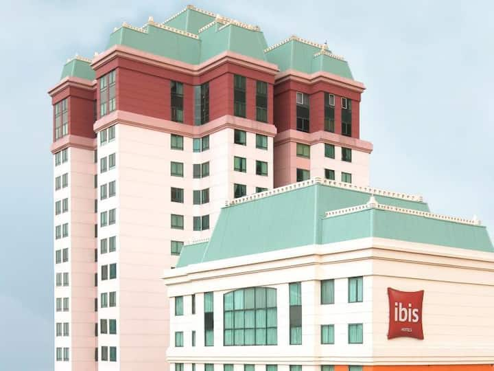 Apt 3 BR Mangga Dua - Near Mall M2  and  City view