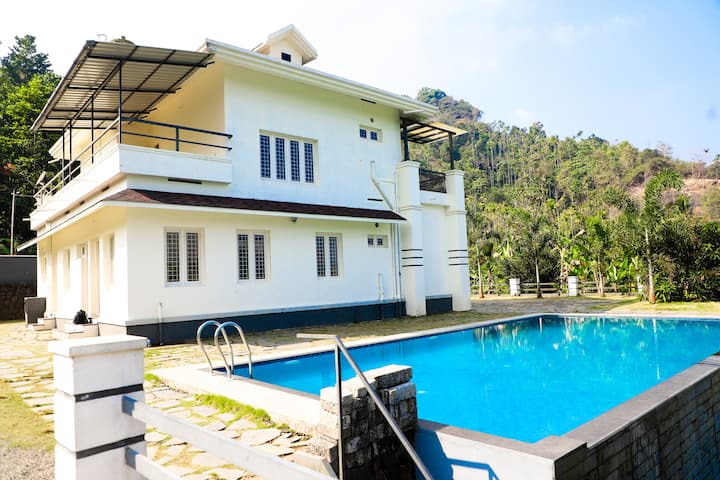 Farmstay in Wayanad | Swimming pool | Bonefire