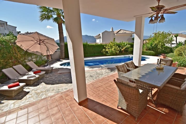 Luxurious Villa rental with private heated pool