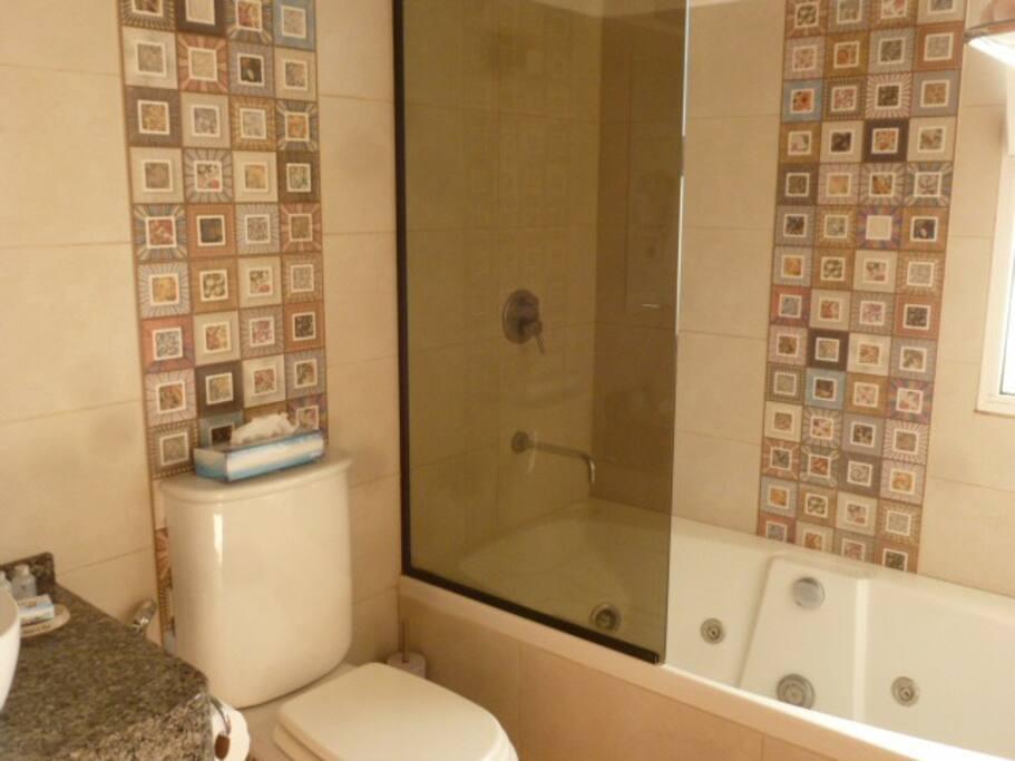 baño habitación doble con jacuzzi