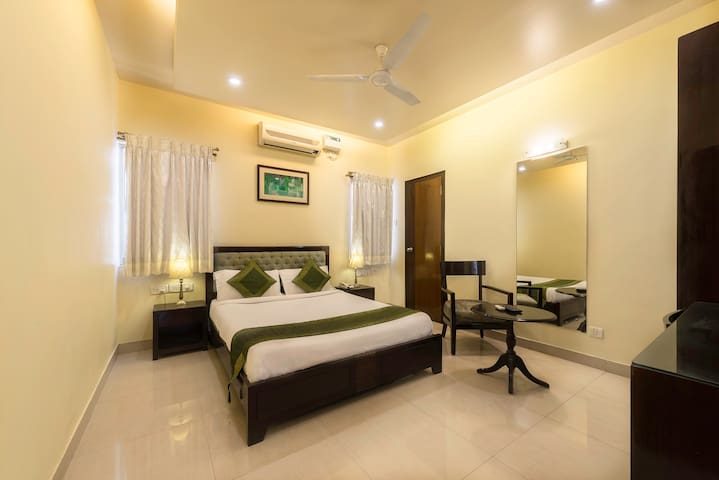 Restful Stay @ Resthouse road, Bangalore