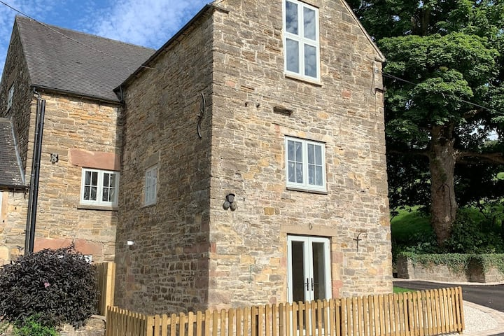 Atlow Mill - luxury 5 bed converted water mill