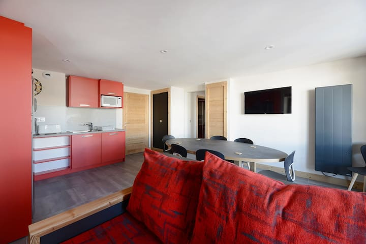 Very nice apartment in a family resort at the bottom of the slopes