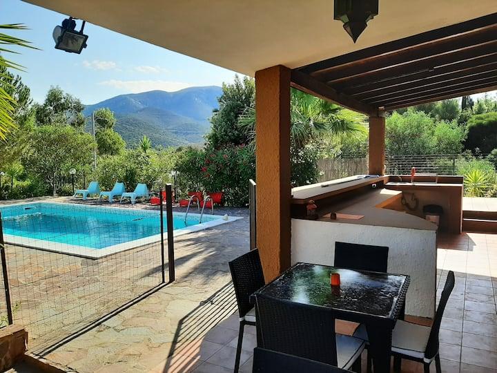 Villa avec piscine en Sardaigne dans oliveraie
