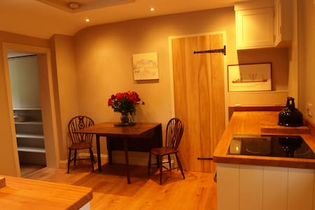 Self-catering annexe in beautiful rural location - Moorlinch