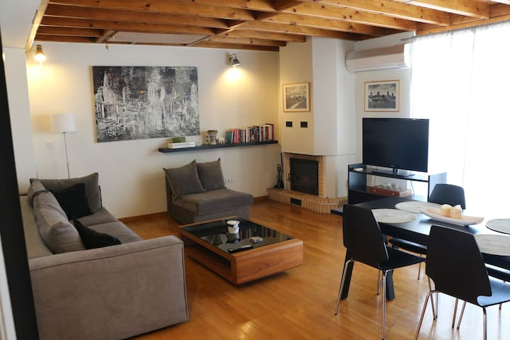 Cozy one bedroom apartment near center of Athens
