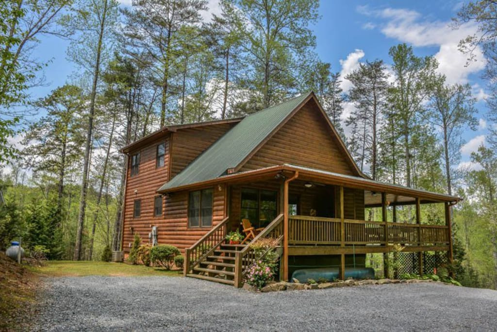 Up the creek cabins for rent in blue ridge georgia for Blue ridge ga cabins for rent
