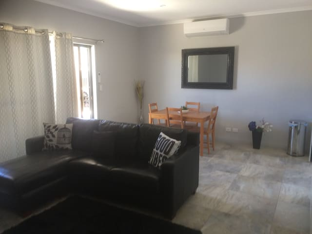 2 Bedroom self contained Unit Port Noarlunga