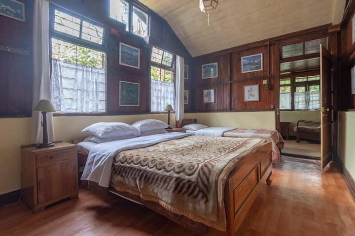 Holumba Haven Woodcot   Cottage  Room No 1