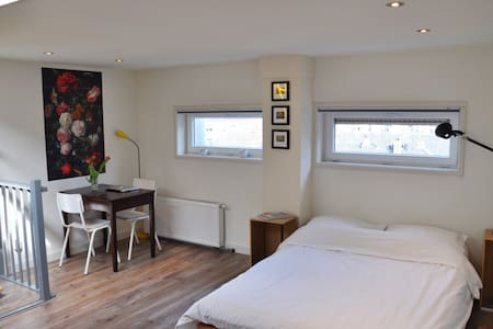 New: Stylish studio with private rooftop terrace