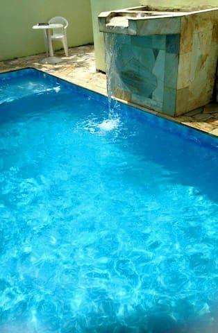 Casa de frente para o mar com piscina