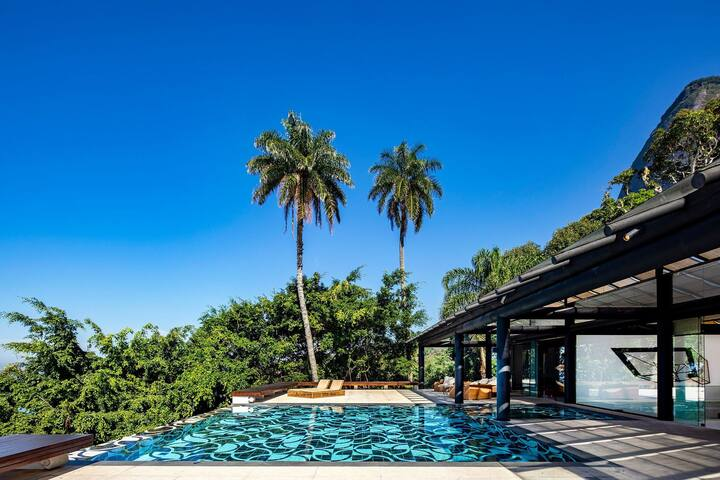 Rio003 - Luxury contemporary house with pool in Rio