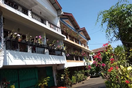 Quadros Crib- Tropical Private Rooms.