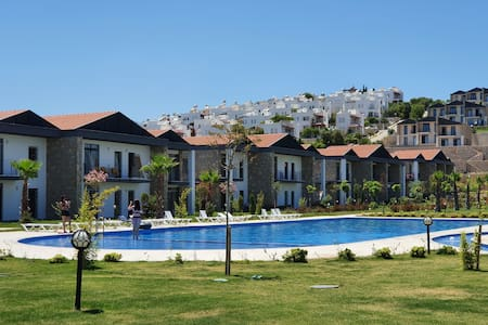 Stylish house with garden/pool, 350m from the sea