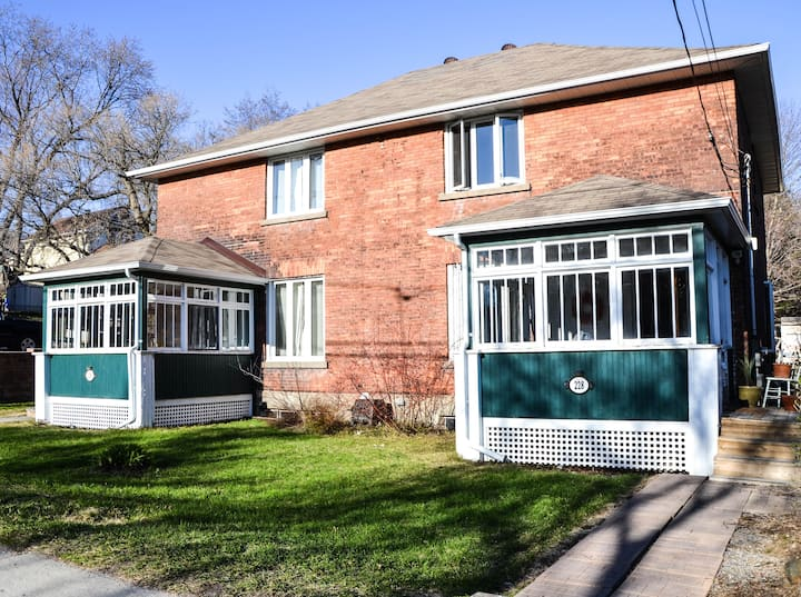 Beautiful Downtown 3 Bedroom Century Home
