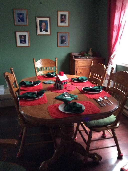 Our dinning room always feels like Christmas