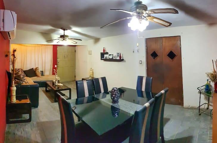 Habitación Privada céntrica a 10 min de San Carlos