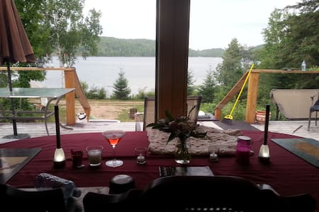 Barrys Bay Offgrid Secluded Sandy, Great Fishing - Barry's Bay - Cabin