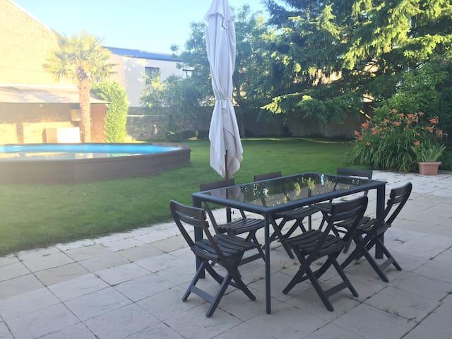 Maison+jardin+piscine+garage:ChambreN°1 SDB privée