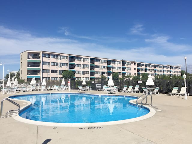 Beautiful Brigantine Beach Club condo