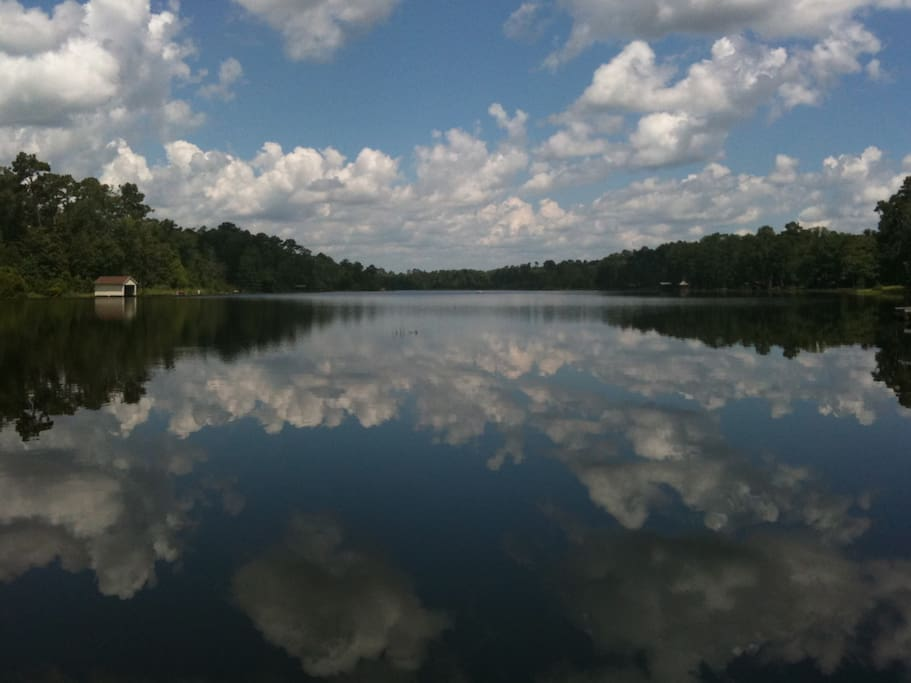 Amazing wooded a frame on fishing lake cabins for rent for Fishing cabins for rent in texas