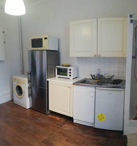 Chambre París 7 completa, cocina y ducha