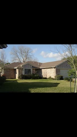 Super Bowl Rooms House for rent - Katy - Talo