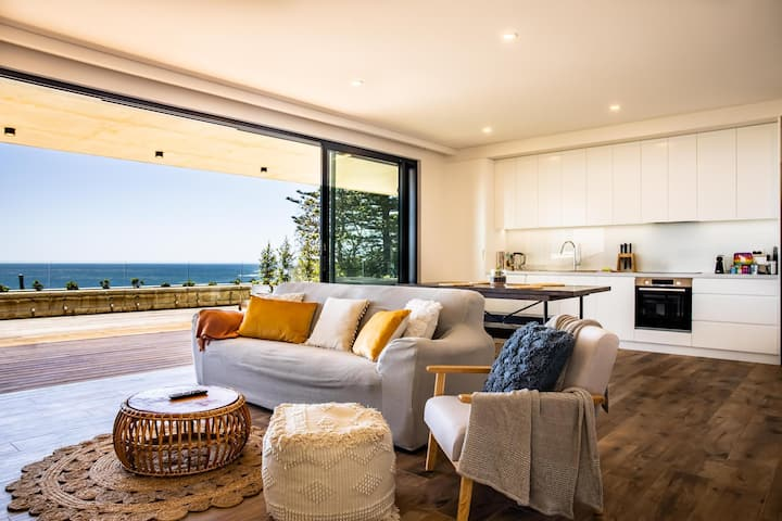 Ocean Views, Deck and Parking at 2-Bed Beach Apartment