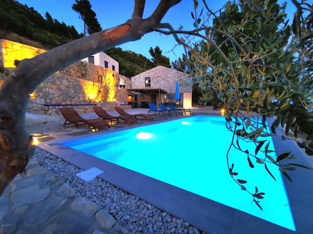 Isolated property Villa EagleStone with pool