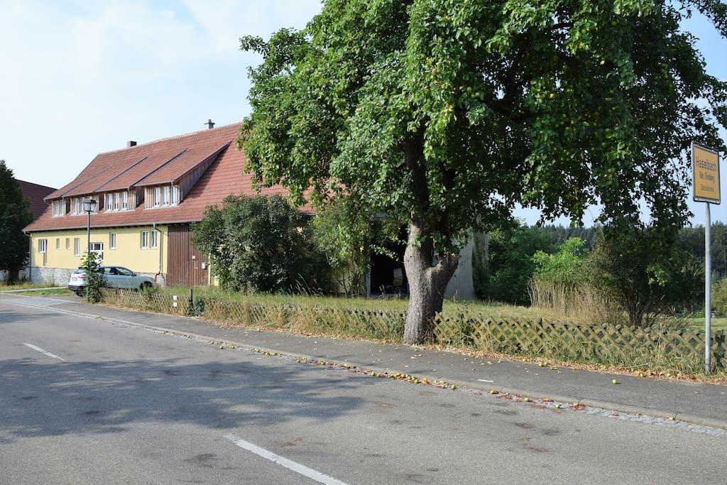 Haselbach 1 Strassenseite