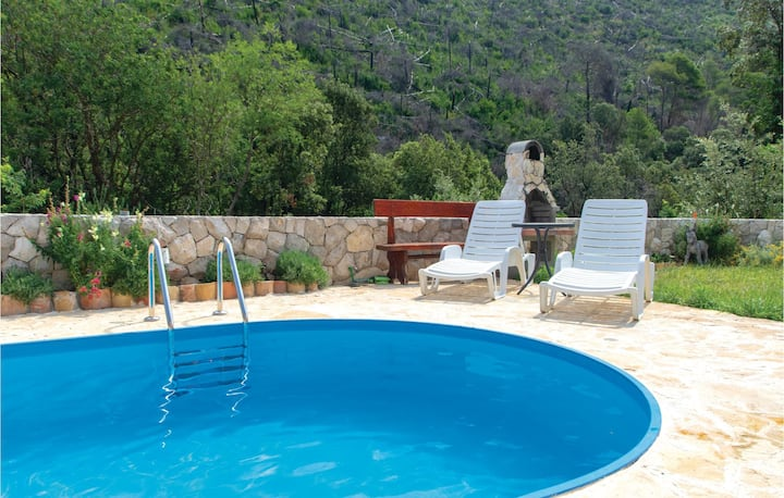 Beautiful home in Trstenik with WiFi and 2 Bedrooms