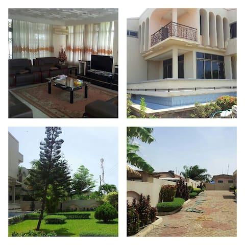 Villa in Ghana (Sakumono) 20km from Accra - Accra - Huvila