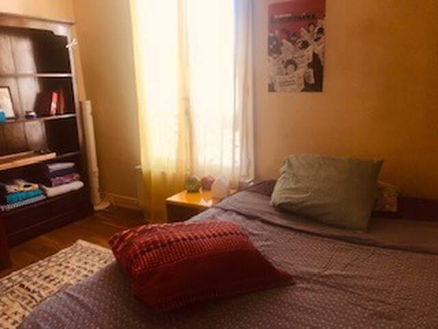 Appartement du 11eme, proche métro, tout confort.