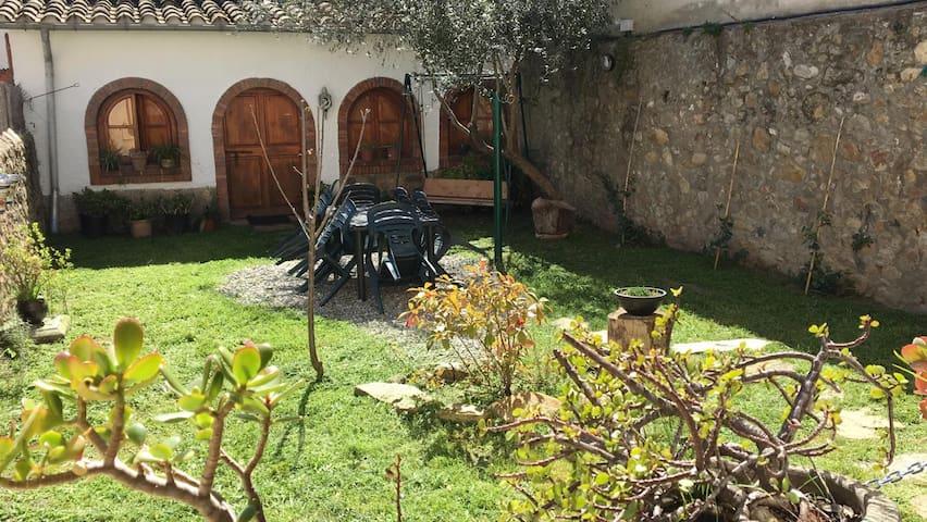 La Pausa del Montseny: casa de pueblo en Breda
