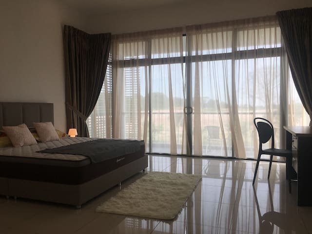 Master Room - with balcony