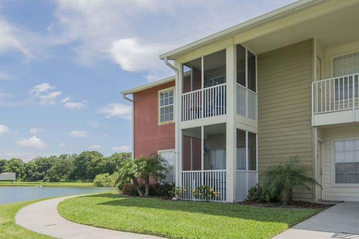 Lake Front - Ground Level - 2 bedroom 2 bath
