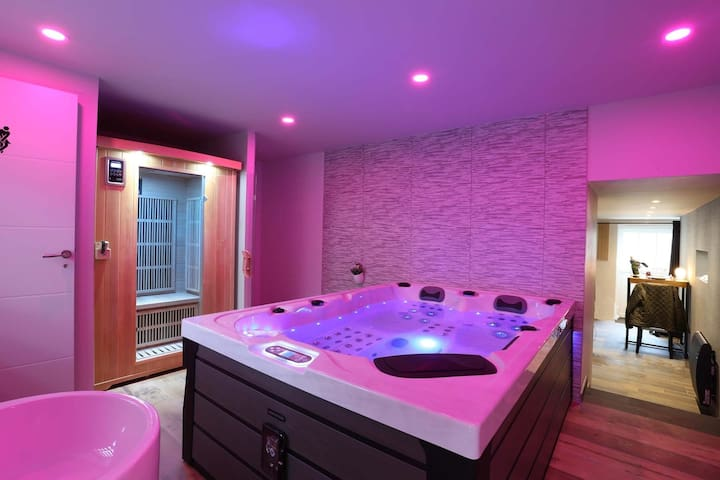 L'Escale - Dinard...Spa et Sauna Privatifs