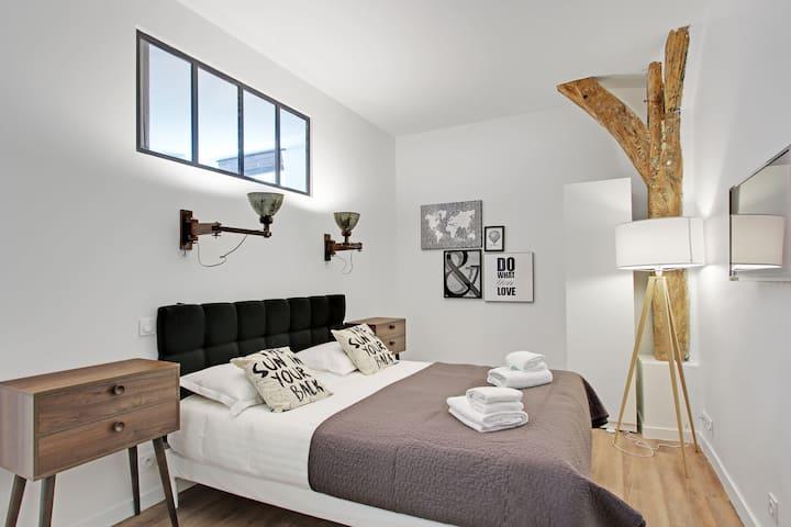 3 Bedrooms near Le Marais