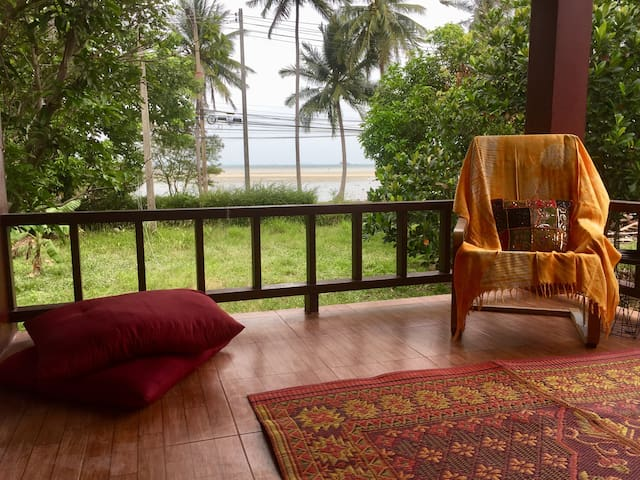 RARE NEW HOUSE SEA VIEW 40M FROM HINKONG BEACH