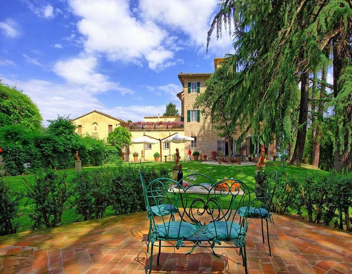 Villa near Volterra, families friendly,Wi-Fi,sl 22