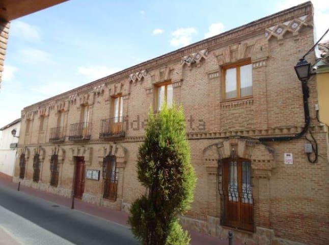 5 Habitaciones privadas próximo a Toledo y Madrid - Yuncler - Huis