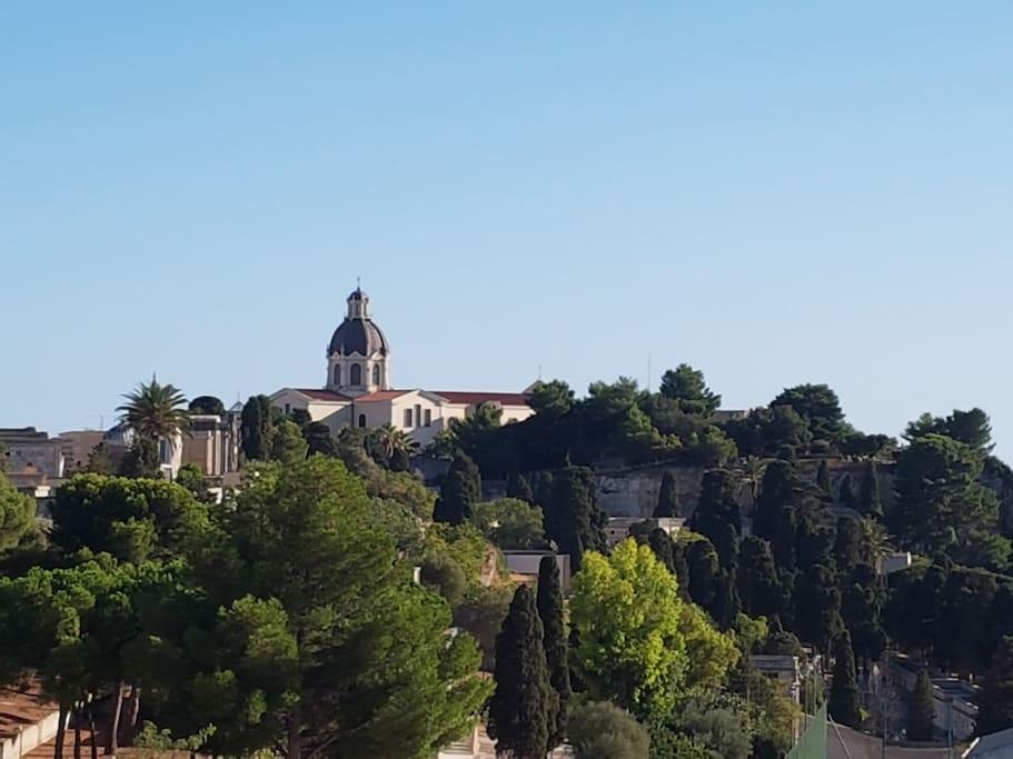 Basilica di N.S. di Bonaria vista dalle finestre della casa .